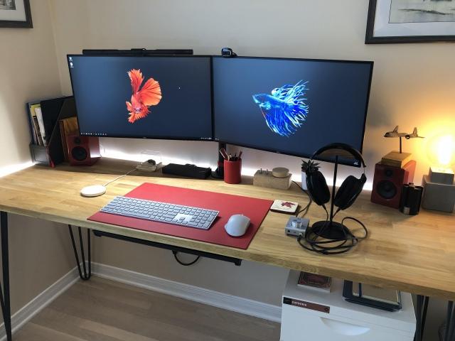 PC_Desk_168_19.jpg