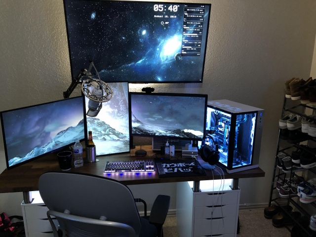 PC_Desk_168_44.jpg
