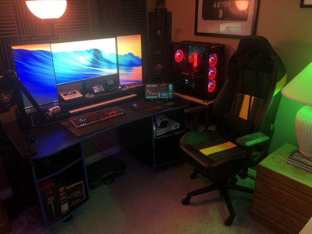 PC_Desk_168_84.jpg