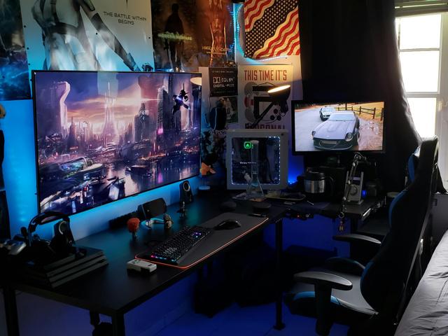 PC_Desk_168_95.jpg