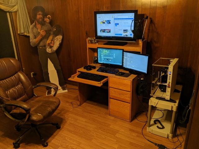 PC_Desk_169_08.jpg