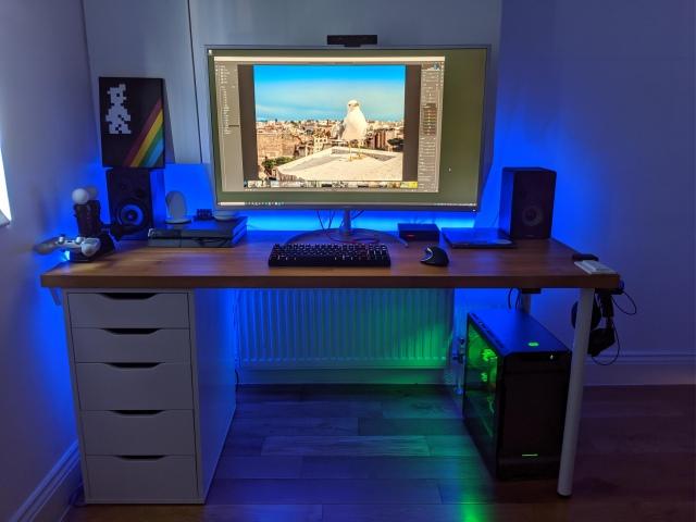 PC_Desk_169_30.jpg