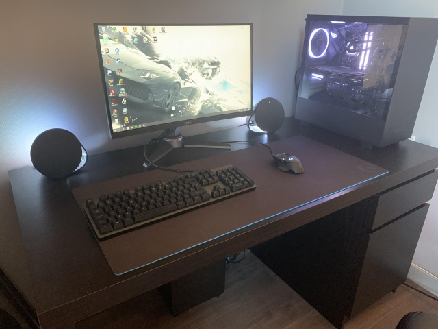 PC_Desk_169_32.jpg