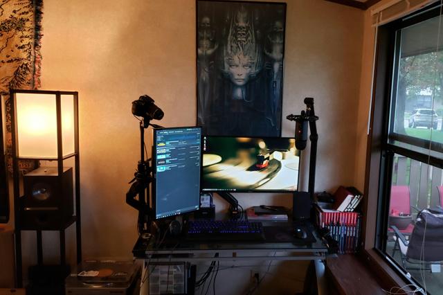 PC_Desk_169_34.jpg