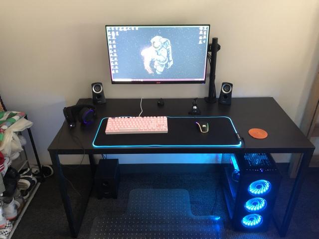 PC_Desk_169_36.jpg