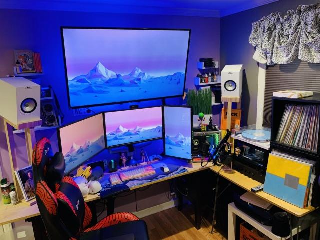 PC_Desk_169_41.jpg