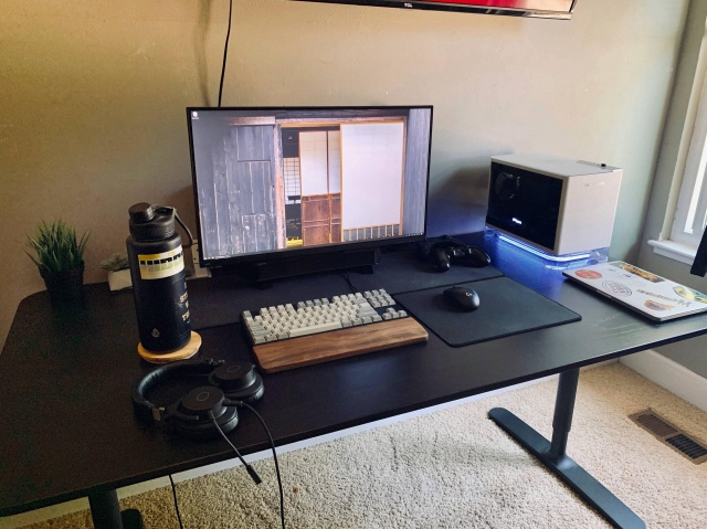 PC_Desk_169_44.jpg