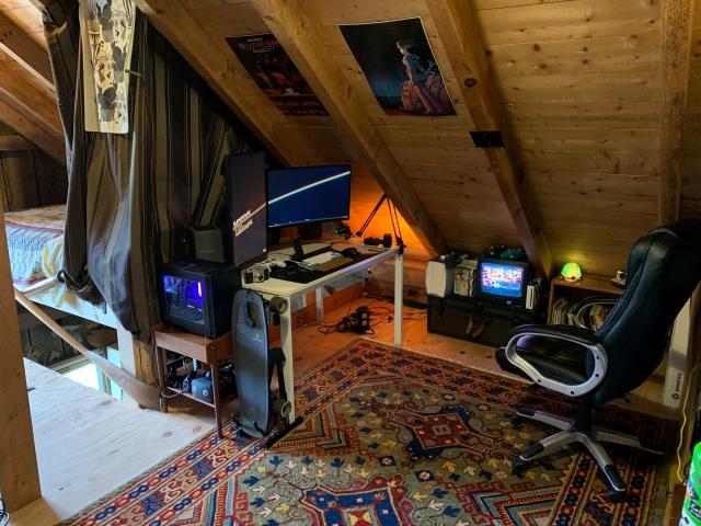 PC_Desk_169_53.jpg