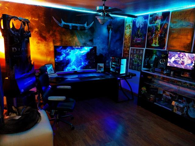 PC_Desk_169_57.jpg
