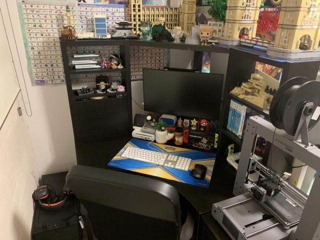 PC_Desk_169_79.jpg