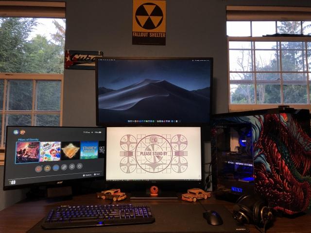 PC_Desk_169_85.jpg