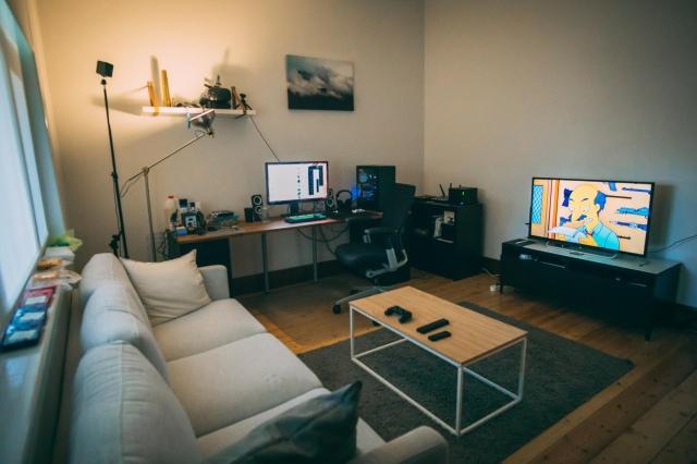 PC_Desk_169_94.jpg