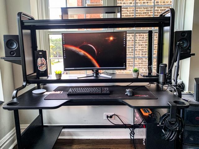 PC_Desk_170_07.jpg
