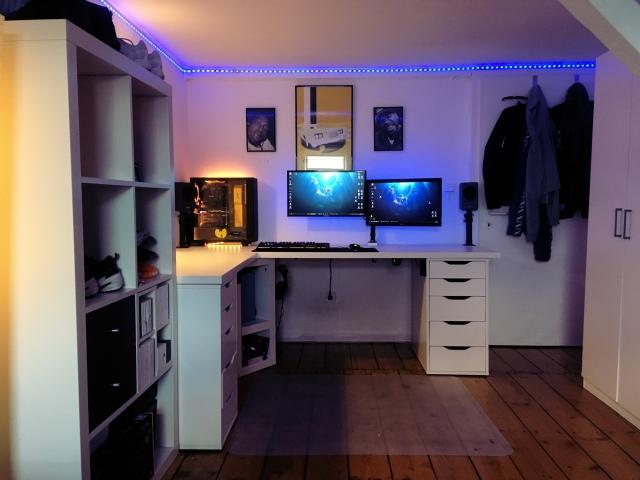 PC_Desk_170_11.jpg