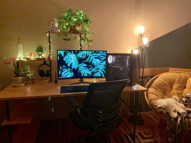 PC_Desk_170_16.jpg