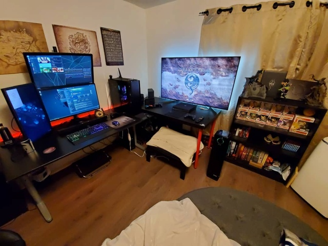 PC_Desk_170_19.jpg