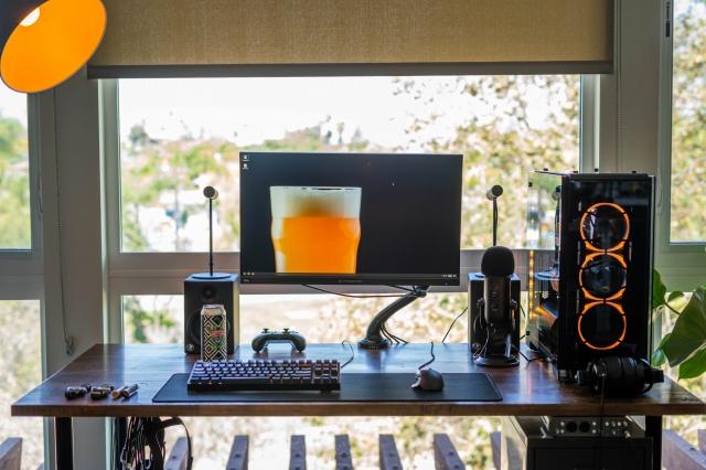 PC_Desk_170_21.jpg