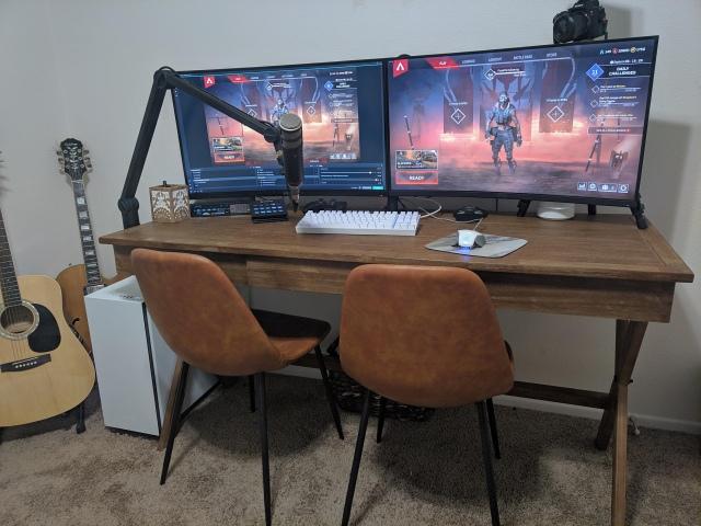 PC_Desk_170_22.jpg