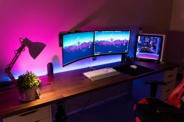 PC_Desk_170_27.jpg