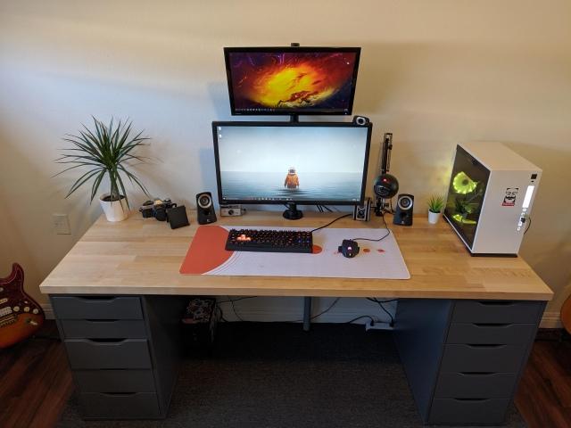 PC_Desk_170_29.jpg