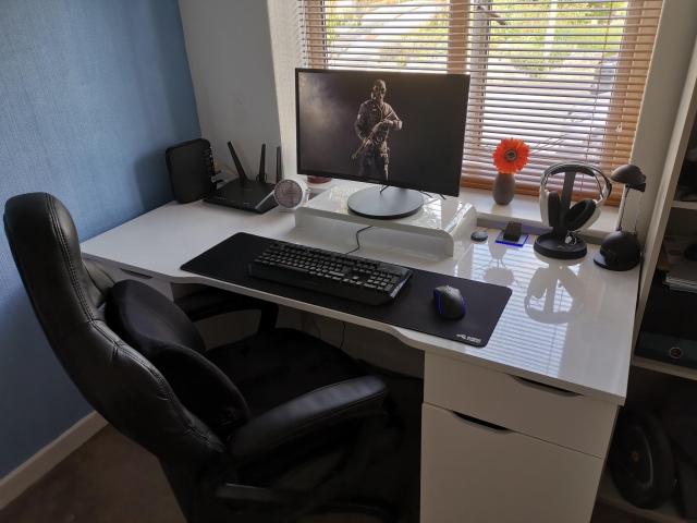 PC_Desk_170_31.jpg