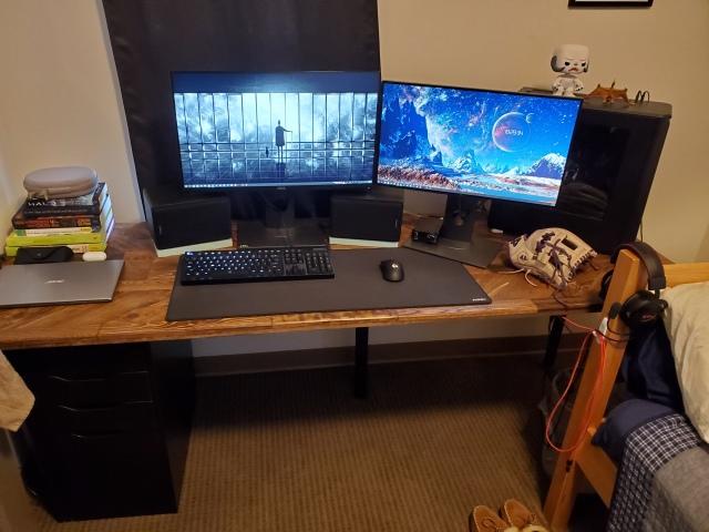 PC_Desk_170_57.jpg