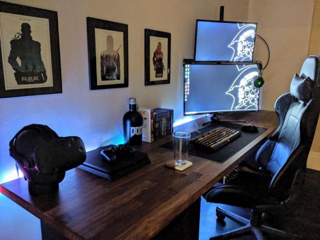 PC_Desk_170_62.jpg