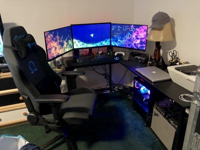 PC_Desk_170_67.jpg