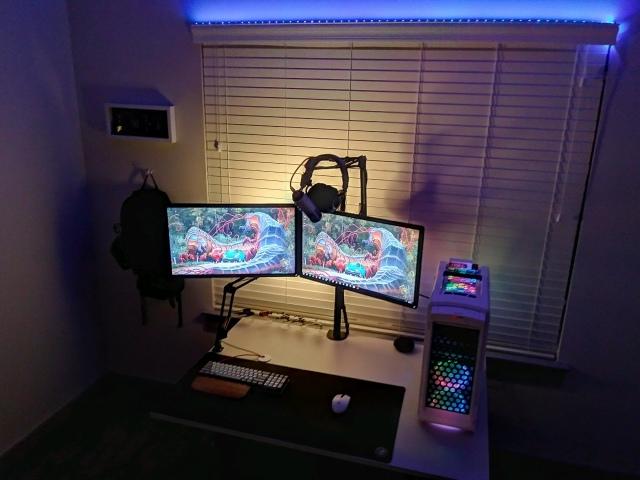 PC_Desk_170_71.jpg