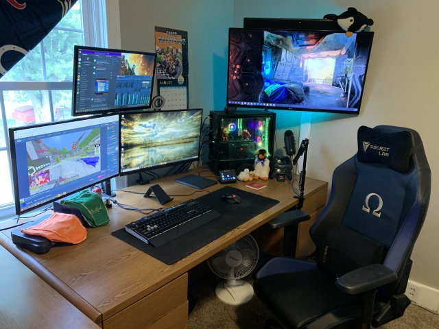 PC_Desk_170_84.jpg