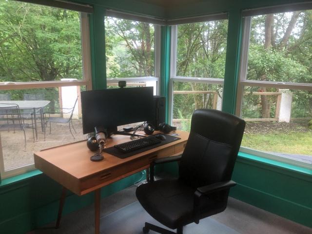 PC_Desk_UltlaWideMonitor46_09.jpg