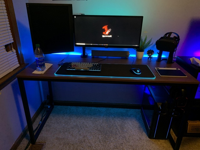 PC_Desk_UltlaWideMonitor46_20.jpg