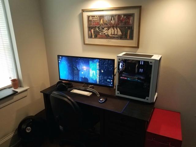 PC_Desk_UltlaWideMonitor46_39.jpg