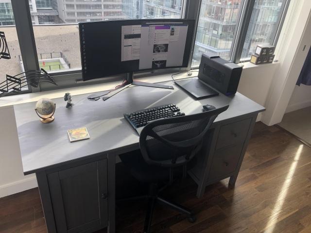 PC_Desk_UltlaWideMonitor46_45.jpg