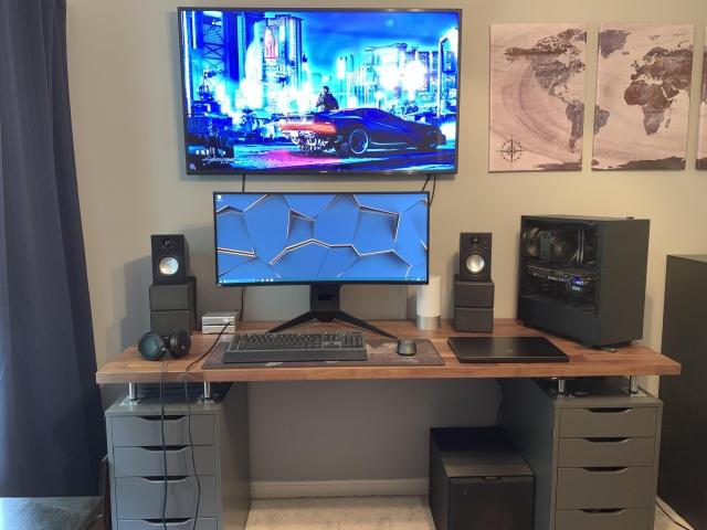 PC_Desk_UltlaWideMonitor46_49.jpg