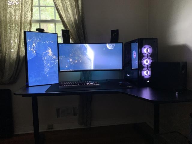 PC_Desk_UltlaWideMonitor46_60.jpg