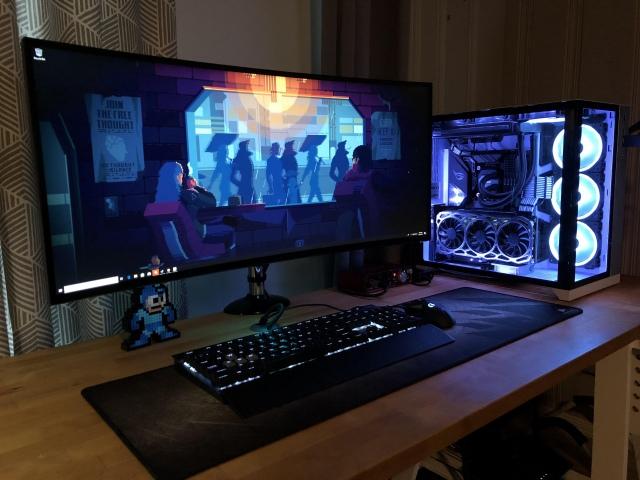 PC_Desk_UltlaWideMonitor46_68.jpg