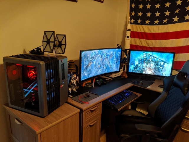 PC_Desk_UltlaWideMonitor46_72.jpg
