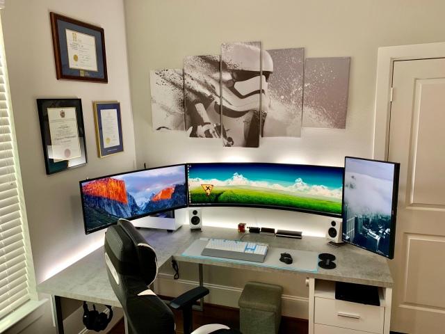 PC_Desk_UltlaWideMonitor46_88.jpg
