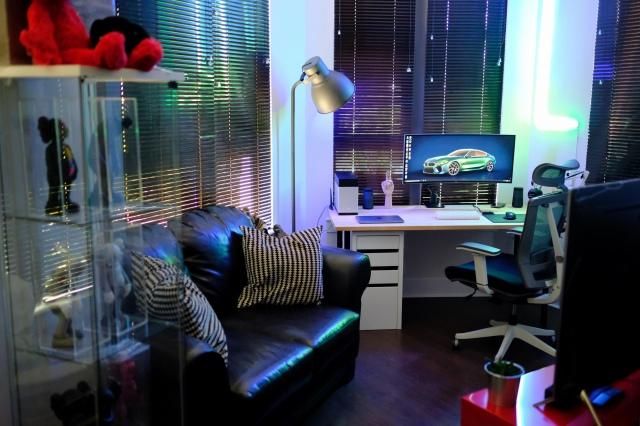 PC_Desk_UltlaWideMonitor46_93.jpg