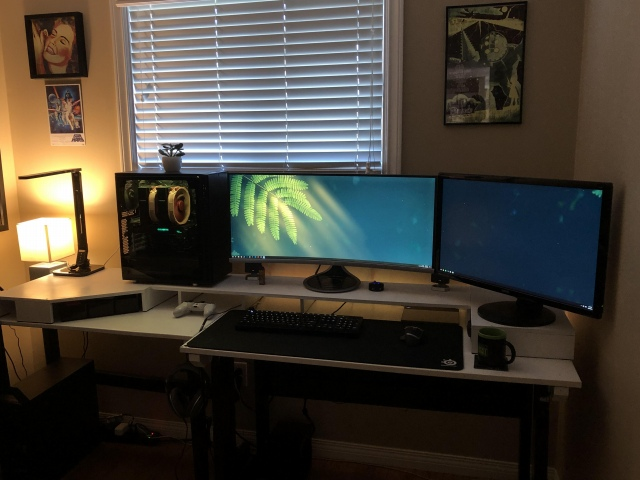 PC_Desk_UltlaWideMonitor46_96.jpg
