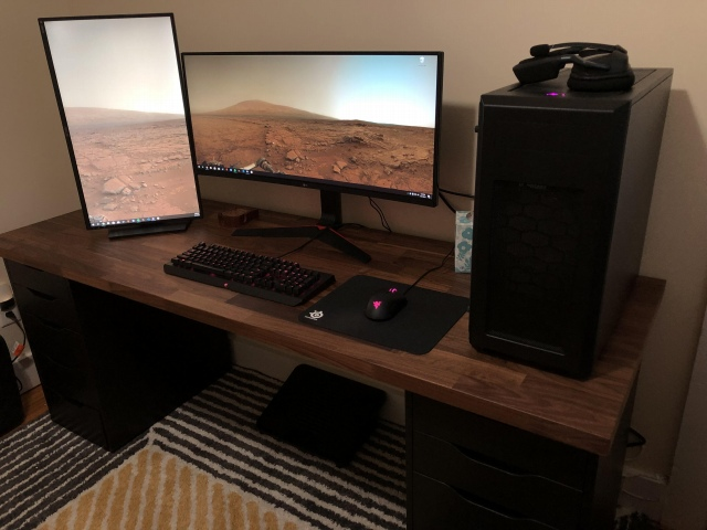 PC_Desk_UltlaWideMonitor47_88.jpg
