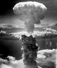 atomic-bomb-398277_960_720_convert_20190815130556.jpg
