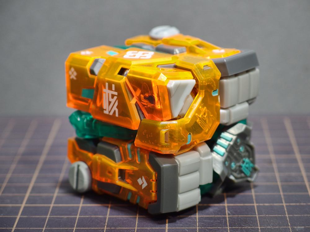 52toys_beastbox_07.jpg