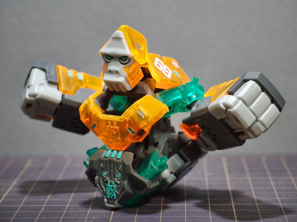 52toys_beastbox_08.jpg