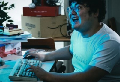 【悲報】Twitter民「こどおじって金銭感覚ないよね! 1万円とか2万円とか家に入れて生活費払った気になってる」←6万いいね