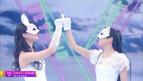 【動画】顔出しNGの二人組アニソンユニット「ClariS」が地上波初出演! これじゃ顔隠してる意味なくない?
