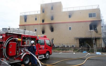 【京アニ放火事件】建物2階で10人の遺体発見、犯人は従業員でも元従業員でもない! 警察に逮捕される時に「パクリやがって」と発言!