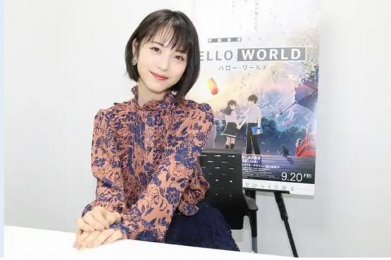 美人女優・浜辺美波ちゃん「アニメ、好きですね。『SAO』『東京喰種』『約束のネバーランド』とか面白いですね」