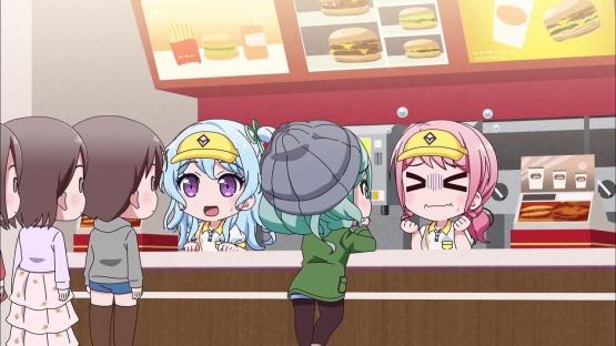 子連れ女性「M一つ、ポテト多めで」店員「それだとLになりますが?」